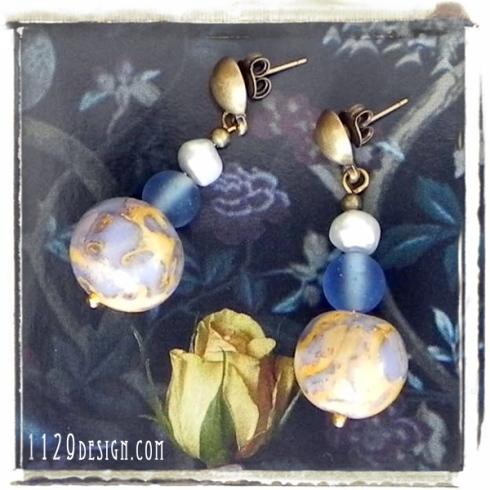 MCRORY-orecchini-azzurro-beige-oro-calcedonio-fimo-clay-orecchini-1129design