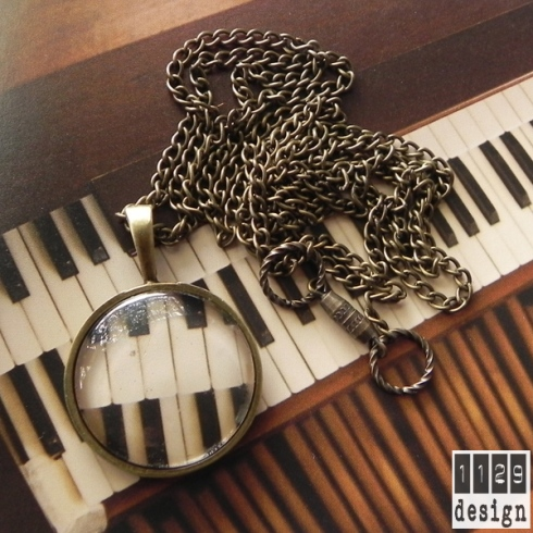 PIANO 01 collana bronzo pendente tondo organo tasti piano bronze necklace 1129design